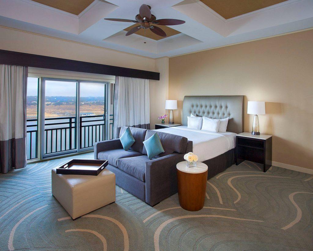 Deluxe Rooms Lakeway Resort & Spa