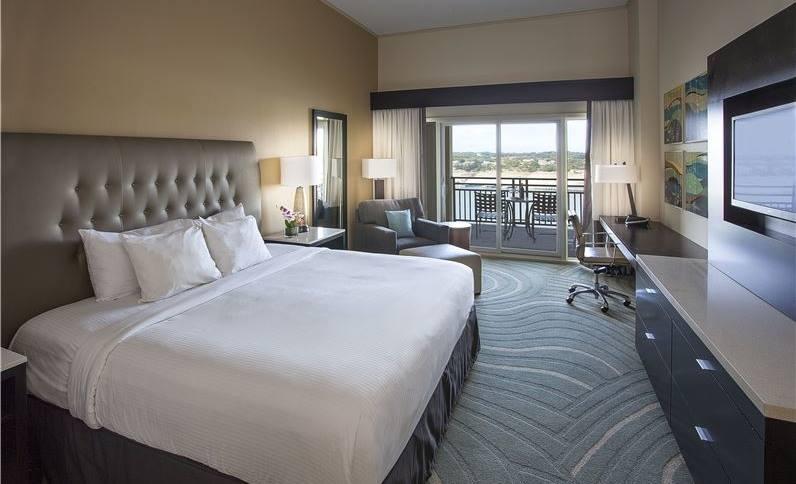King size Lakeway Resort & Spa