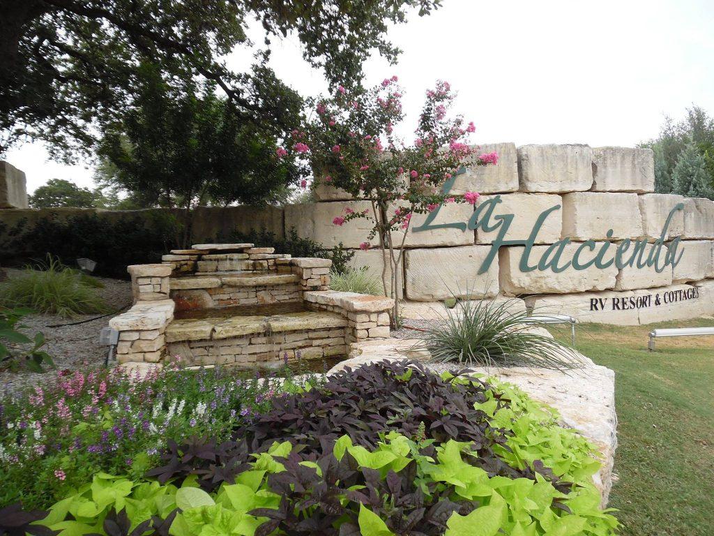 La Hacienda RV Resort and Cottages Sign