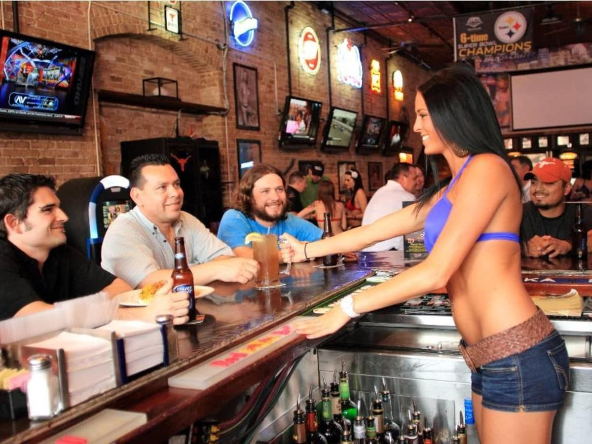 Bikinis Bar 6th Street