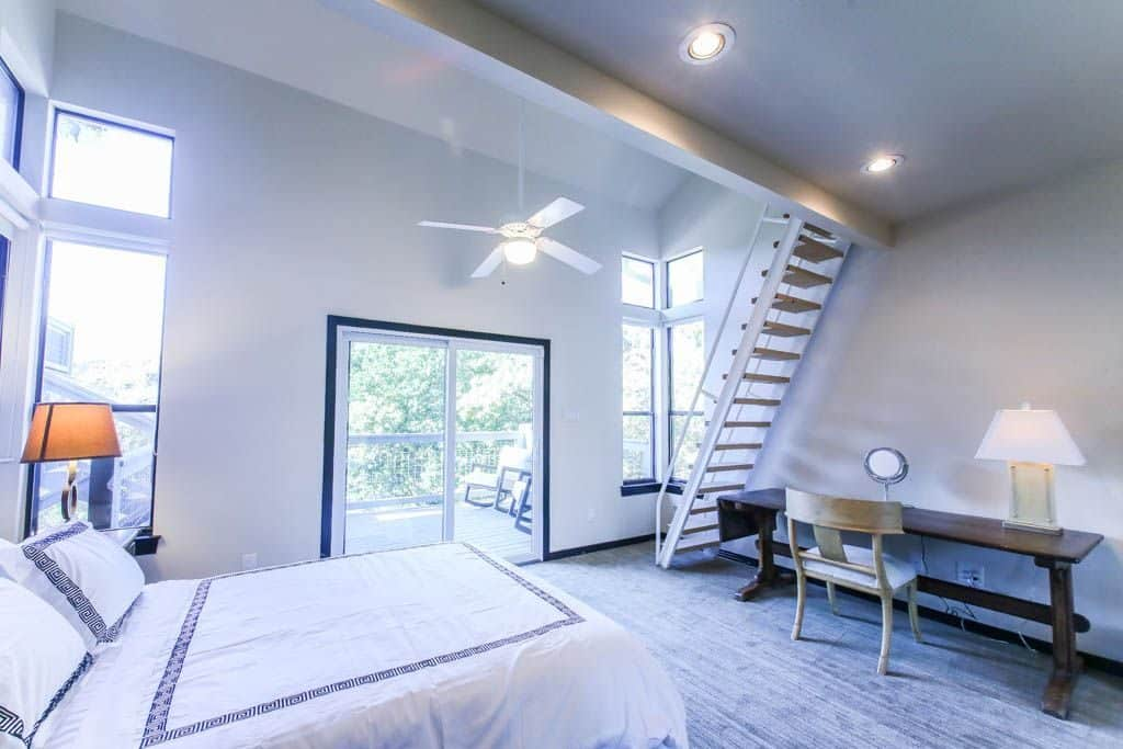 Lake Austin Waterfront Vacation Rental Bedroom