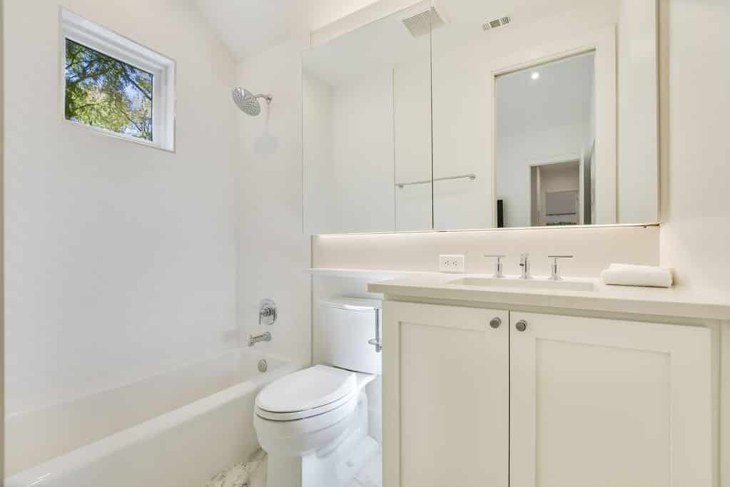 Tarrytown Retreat Vacation Rental Bathroom