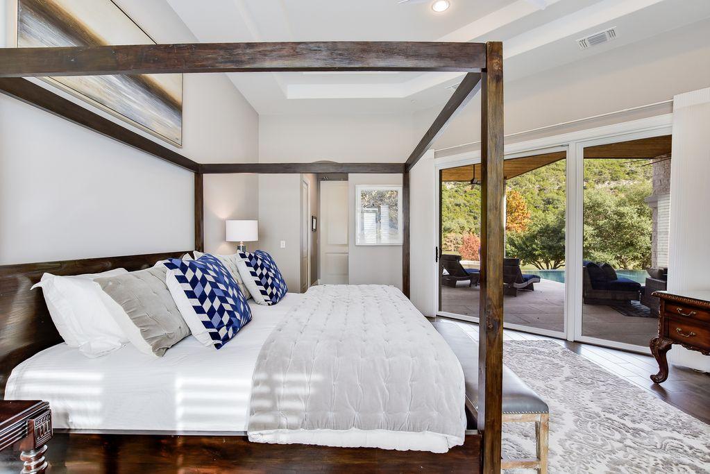 Arrive Ridgeview Inside Master bedroom
