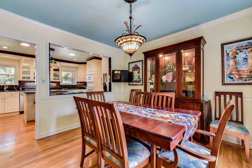 Austin Top Rated Vacation Rental dinning