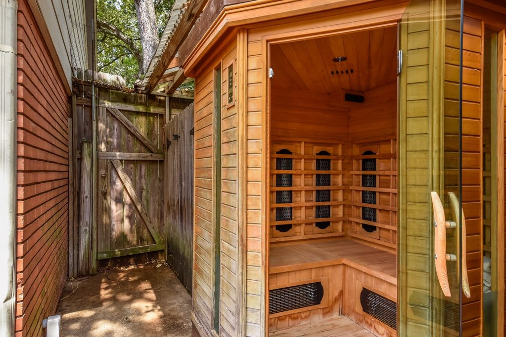 Austin Top Rated Vacation Rental sauna
