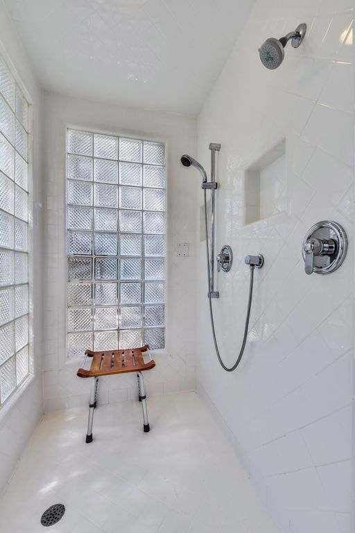 Austin Top Rated Vacation Rental shower