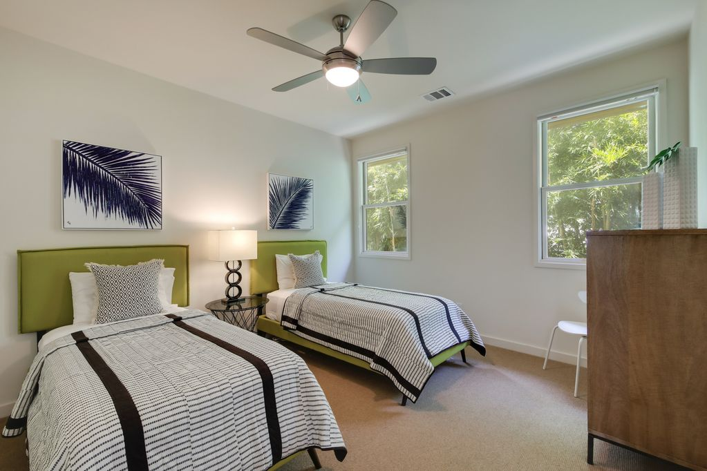 Ethel Austin Vacation Rental twin beds