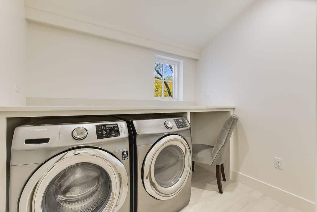 Arrive Tarrytown Retreat Laundry Room