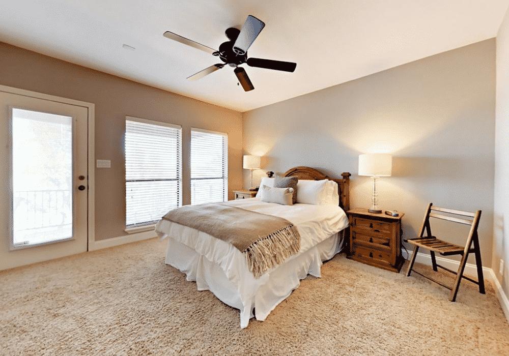 Lake travis rental bedroom4