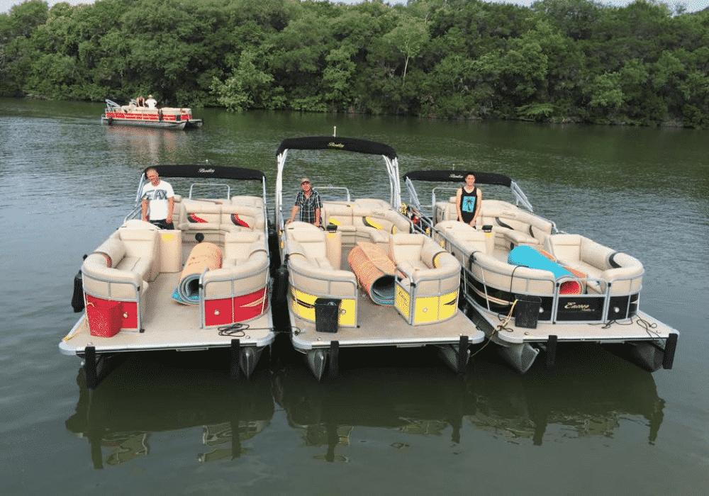 Wave In Water - Austin Boat Rentals