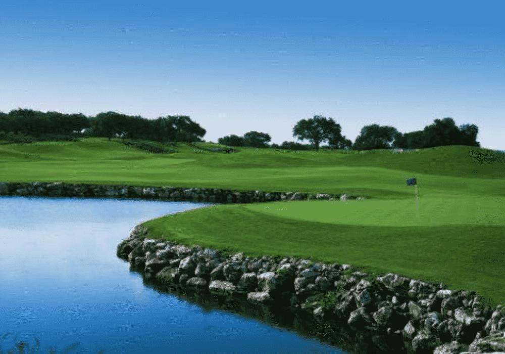 Pedernales Golf Club (Willie Nelson's Cut- N-Putt)