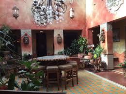 Fonda San Miguel Inside