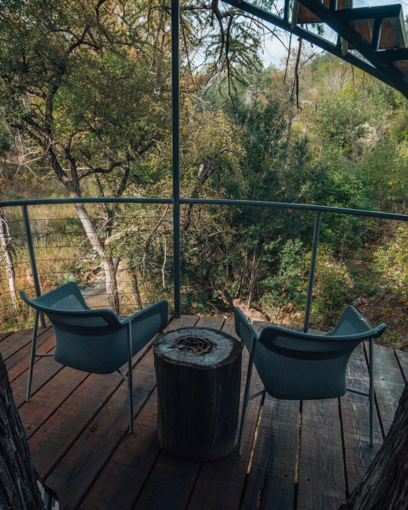Cypress Valley Treehouse Loding